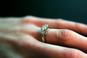tanie pierścionki zaręczynowe